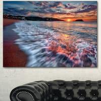 Designart 'Calm Seashore with Rushing Waters' Seashore Art Print on Canvas