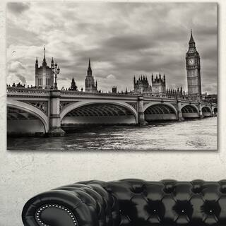 Designart 'Wonderful View of Westminster Bridge' Large Cityscape Wall Art Canvas Print - Grey