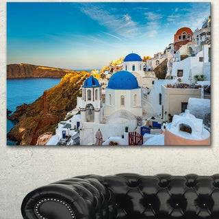 Designart 'Beautiful Santorin Houses Greece' Large Cityscape Art Print on Canvas