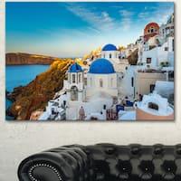Designart 'Beautiful Santorin Houses Greece' Large Cityscape Art Print on Canvas
