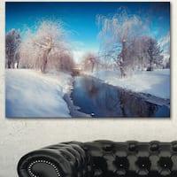 Designart 'Amazing Winter in City Park' Large Landscape Art Canvas Print - White