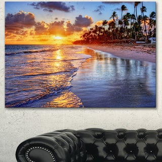 Designart 'Beach-Side Resort With Palm Trees' Seashore Art Print on Canvas