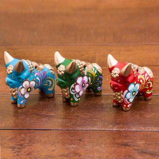 Handmade Set of 3 Ceramic 'Tricolor Pucara Bulls' Figurines (Peru)