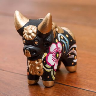Handcrafted Ceramic 'Little Black Pucara Bull' Figurine (Peru)