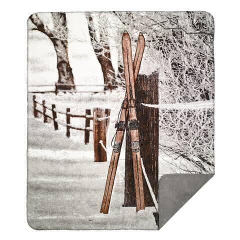 Denali Vintage Skis Pring/ Grey Throw (60 x 70)