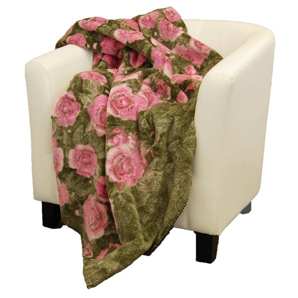 Denali Pink Roses/ Sage Green Throw (60 x 70)