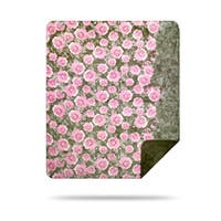 Denali Pink Roses/ Sage Green Throw (50 x 60)