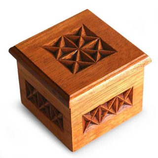 Handmade Star Cedar Box (Peru)