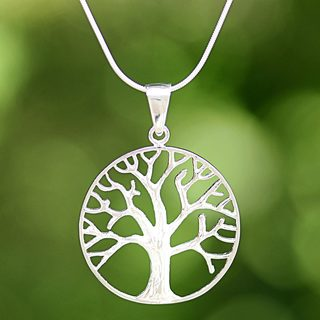 Handcrafted Sterling Silver 'December Tree' Necklace (Thailand)
