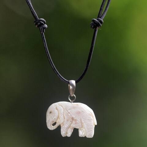 Handmade Cow Bone Leather 'Stoic Elephant' Necklace (Indonesia)