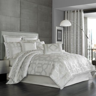 Five Queens Court Kennedy Sterling Woven Jacquard 4-piece Comforter Set (3 options available)