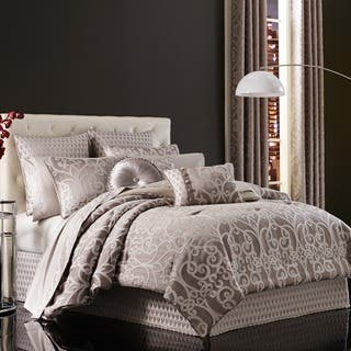 Five Queens Court Ivy Woven Damask 4-piece Comforter Set|https://ak1.ostkcdn.com/images/products/13219308/P19937330.jpg?impolicy=medium