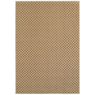 Reverse Diamond Textured Loop Pile Brown/ Sand Indoor/Outdoor Rug (6' 7 x 9' 6) (As Is Item)