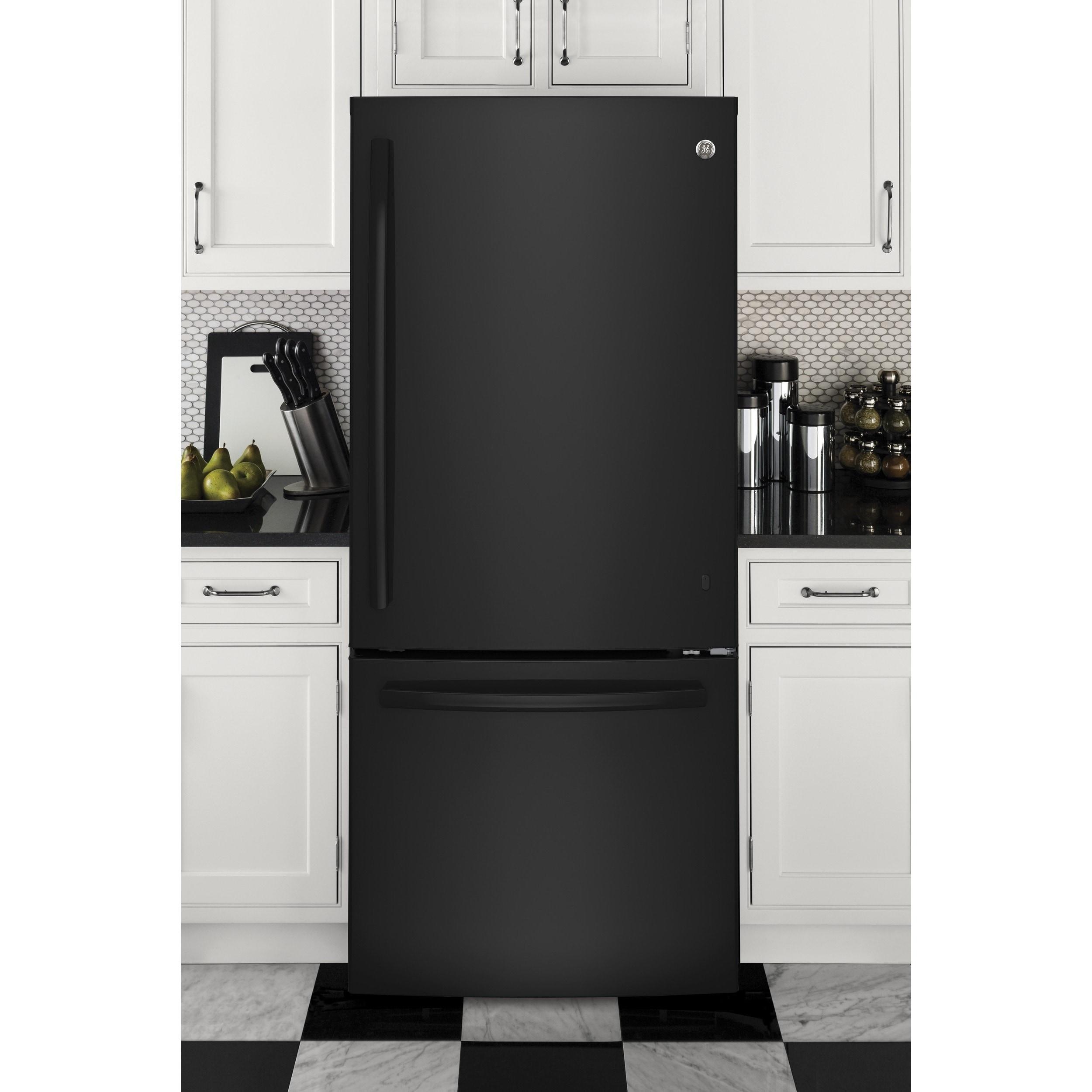 GE Series Energy Star 20.9 Cubic-feet Bottom Freezer Refr...