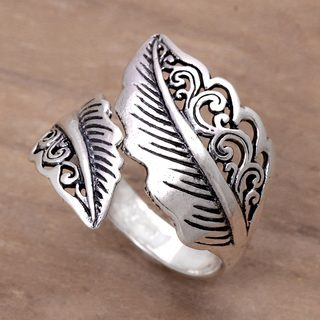 Handcrafted Sterling Silver 'Magic Leaf' Ring (Indonesia)