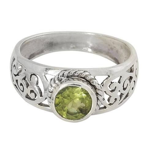 Handmade Sterling Silver Blossoming Desire Peridot Ring (India)