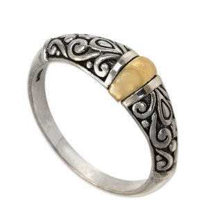 Handcrafted Sterling Silver Gold Accent 'Balinese Twilight' Band Ring (Indonesia)