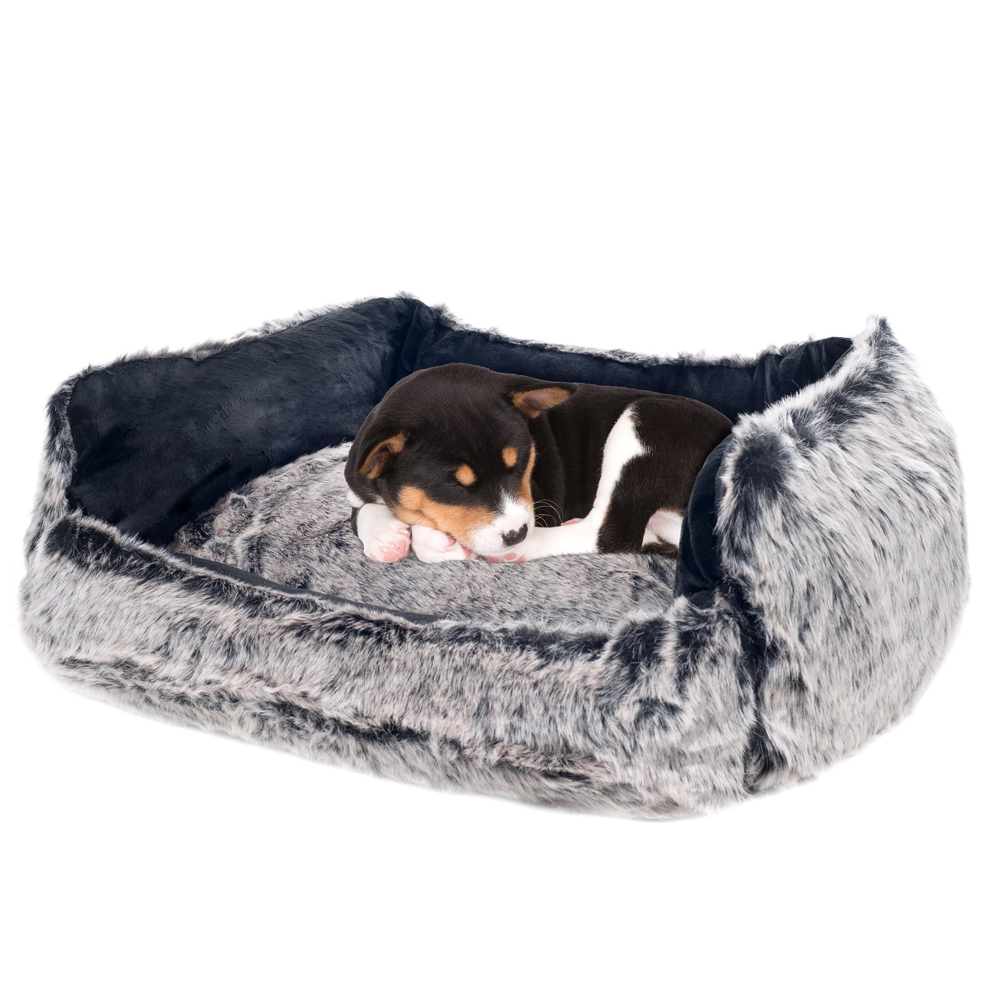 Petmaker Faux Fur Wolf Dog Bed (Medium-Black), Black