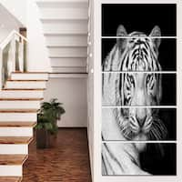Designart 'Staring Bengal White Tiger' Contemporary Animal Art Canvas