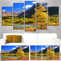 Designart 'Beautiful Kamchatka Mountains' Landscape Canvas Wall Art - Green