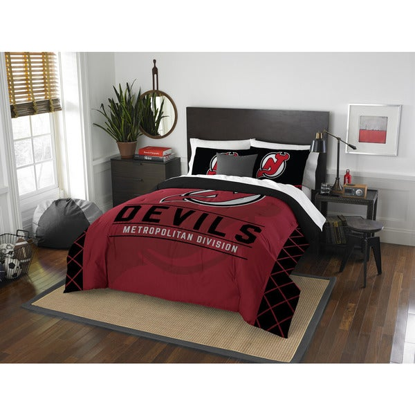 The Northwest Company NHL Devils Draft Red and Black Polyester Full/Queen Comforter Set