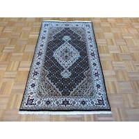 Oriental Mahi Tabriz Black Wool/Silk Hand-knotted Rug (3' x 5')