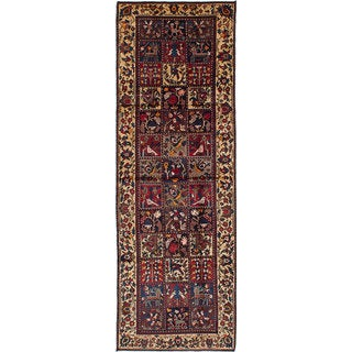 eCarpetGallery Bakhtiar Red Wool Hand-knotted Rug (3'9 x 11'3)