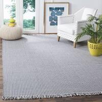 Safavieh Hand-Woven Montauk Flatweave Ivory/ Navy Cotton Rug (4' x 6') - 4' x 6'