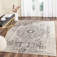 Safavieh Evoke Vintage Ivory / Black Center Medallion Distressed Rug (6' 7 x 9')
