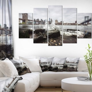 Skyline with Manhattan Bridges' Large Cityscape Artwork on Canvas - Grey