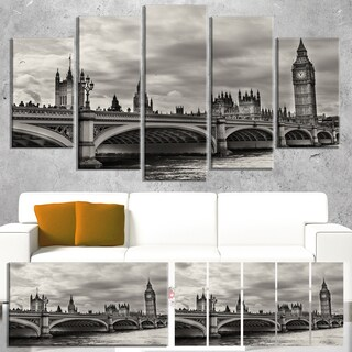 Designart 'Wonderful View of Westminster Bridge' Large Cityscape Wall Art Canvas Print - Grey (3 options available)