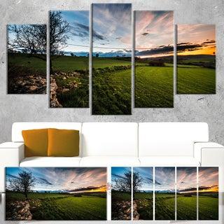 Designart 'Beautiful Green Meadow in Sardinia' Landscape Wall Artwork Canvas