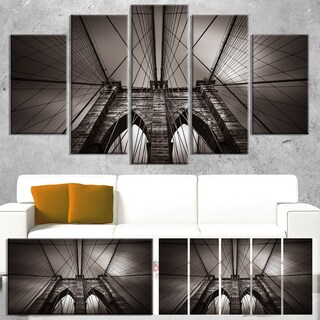Designart 'Brooklyn Bridge in NYC USA' Extra Large Cityscape Wall Art on Canvas - Grey (3 options available)