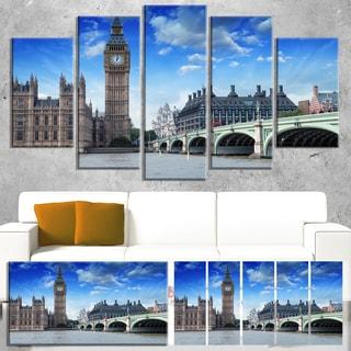 Designart 'Houses of Parliament and Westminster Bridge' Modern Cityscape Canvas Artwork