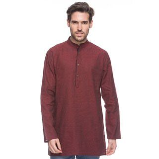 Handmade In-Sattva Shatranj Men's Crimson Indian Kurta Tunic with Banded Collar and Diamond Pattern (India)|https://ak1.ostkcdn.com/images/products/13286562/P19996338.jpg?_ostk_perf_=percv&impolicy=medium