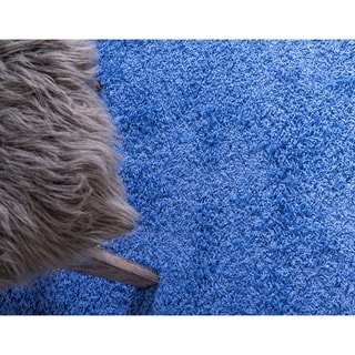 Solid Periwinkle Blue Polypropylene Shag Rug (4'11 x 8')