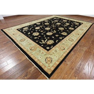 Hand-knotted Oriental Peshawar Black Wool Rug (9'1 x 12'6)