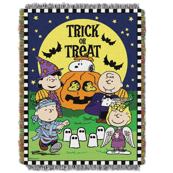 ENT 051 Peanuts Spooky Gang Tapestry Throw