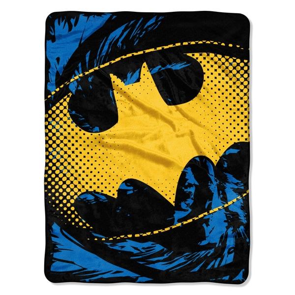 ENT 059 Batman - Ripped Shield