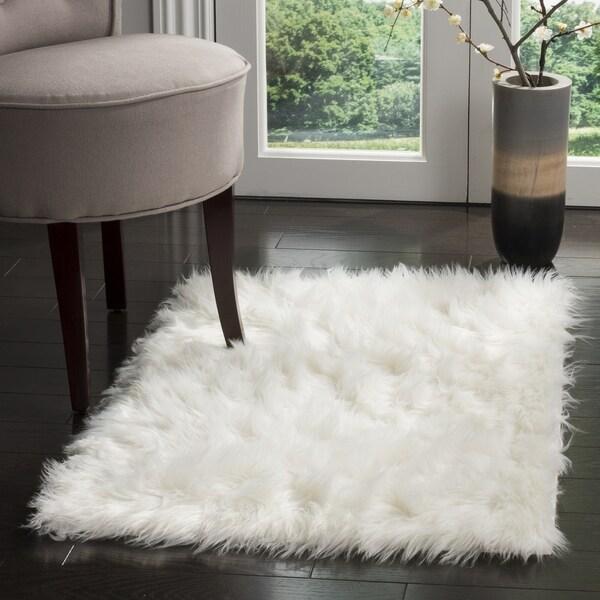 Safavieh Handmade Faux Sheepskin Ivory Japanese Acrylic Rug - 2'6 x 4'
