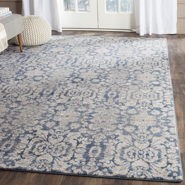Safavieh Sofia Vintage Damask Blue/ Beige Distressed Rug (2' 6 x 4')
