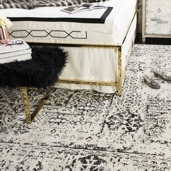 Safavieh evoke vintage ivory black center medallion distressed rug 8 x