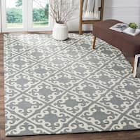 Safavieh Easy Care Traditional Handmade Grey/ Ivory Rug - 9' x 12'
