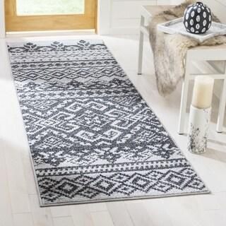 Safavieh Adirondack Southwestern Silver/ Black Runner Rug (2' 6 x 22')