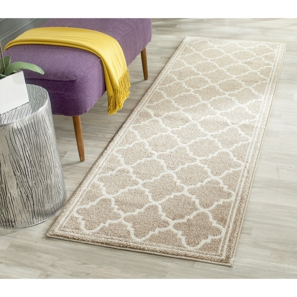 Safavieh Amherst Indoor/ Outdoor Wheat/ Beige Runner Rug - 2' 3 x 19'