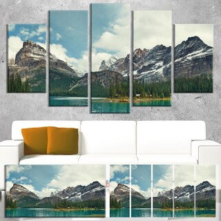 Designart 'Yoho National Park Panorama' Landscape Artwork Canvas Print - Green (3 options available)