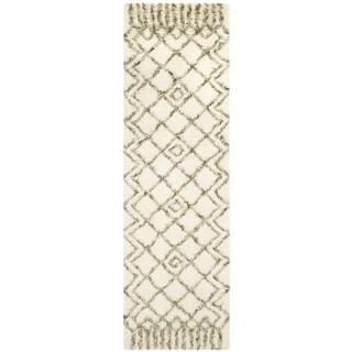Safavieh Handmade Casablanca Shag Santina Tribal Wool Rug (23 x 12 Runner - Ivory/Green)