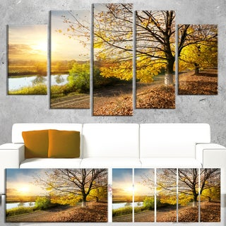 Designart 'Beautiful Road by the River' Landscape Wall Art Print Canvas
