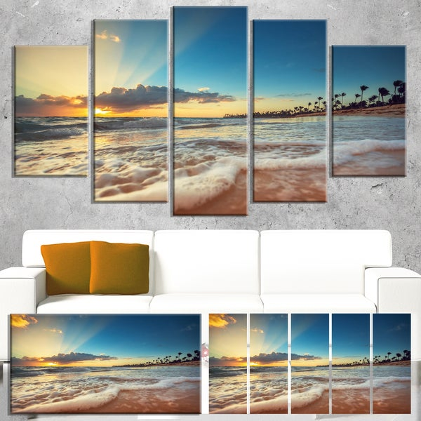 Designart 'Exotic Beach in Dominican Republic' Modern Seashore Canvas Wall Art Print