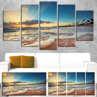 Designart 'Exotic Beach in Dominican Republic' Modern Seashore Canvas Wall Art Print